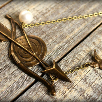 Hunger Games Bow & Arrow Necklace by saffronandsaege on Etsy