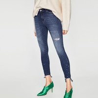 MID RISE JEANS WITH PEARL BEADSDETAILS