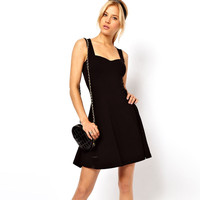 Black Sleeveless Sweetheart Neckline Skater Dress