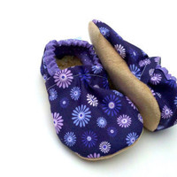 baby shoes purple shoes girl baby girl shoes purple flower booties crib shoes toddler shoes purple girl shoes