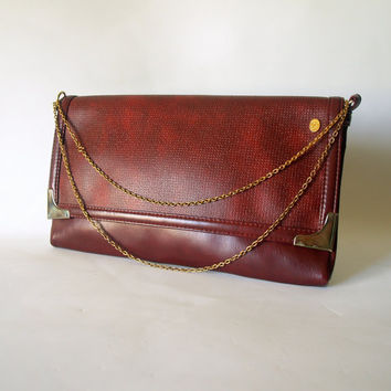 VINTAGE AFFLUENT CORDOVAN Burgundy Brown Envelope Clutch Handbag Gold Metal Chain Convertible Strap Faux Leather