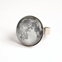 Moon Adjustable Ring With Glass Cabochon | Luulla
