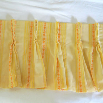 Vintage Yellow Valance Orange Valance 70s Kitchen Valance Pleated Valance Retro Valance Yellow Decor Window Valance Retro Kitchen 70s Decor
