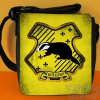 Hufflepuff - Messenger Shoulder bag, inspired by Harry Potter, Hufflepuff crest Small Bag, Birthday gift, Harry Potter bag