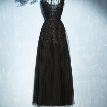 Lace evening dress black color Appliques women sexy long evening dresses