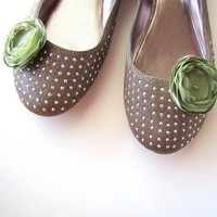 Shoe Clips With Handmade Fabric Flowers (set Of 2 Pcs )- SAGE GREEN BLOSSOMS | Luulla