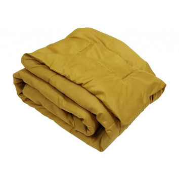 Oversized Gold Down Alternative Comforter Super Soft 90 Gsm in Full/Queen Size