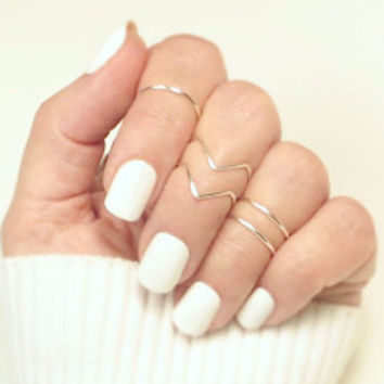 Dainty Chevron Midi Ring Set
