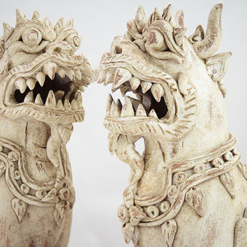 Large Ceramic Temple Guardians Dragon / Dogs 'Foo' or Singha. Protect property, people and against evil spirits.