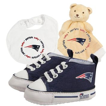 New England Patriots NFL Infant Blanket Bib and Shoe Deluxe Set