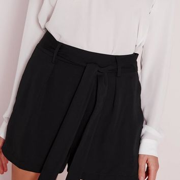 Missguided - Tie Waist Detail Crepe Tailored Shorts Black
