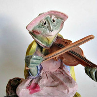 Tillie and Her Violin Frog Collectable by Jessica deStefanos
