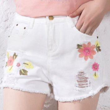 CREYV9O 2018 new wild hole denim shorts loose high waist A word hot pants