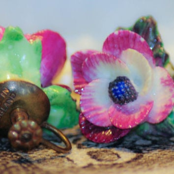 Vintage Porcelain Purple Pansy Screwback Earrings - Hand painted Made in England