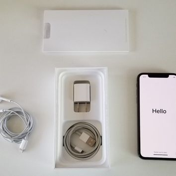 Apple iPhone X - 256GB - Space Gray (Unlocked) A1865
