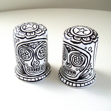 Sugar Skulls Salt and Pepper Shakers Ceramic Black White Hand Painted Day of the Dead Folk Art Tabletop