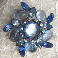 Vintage Brooch Pin Blue Glass Cabochon