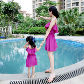 2016 New Fashion Matching Mother Daughter Clothes Summer Dress Chiffon Sling Princess Mom and Daughter Dress Vestidos Infantis