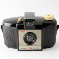 Kodak Brownie 127 Roll Film 1950s Bakelite Camera with Case - Fully Working