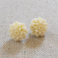 Blooming Post Earrings in Ivory [3675] - $9.00 : Vintage Inspired Clothing & Affordable Fall Frocks, deloom | Modern. Vintage. Crafted.