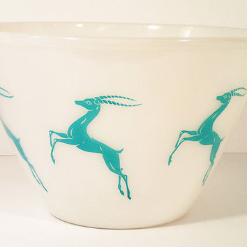 Vintage Fire King Gazelle 4 qt Splash Proof Mixing bowl Mid Century Turquoise Gazelle Deer on White Milk Glass