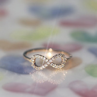 Perfect INFINITE / INFINITY ring in gold