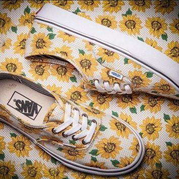 Vans Sunflower Chrysanthemum Printing Canvas Skate Shoes
