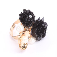 Black Gold Rose Shaped Pearl Accent High Polish Cute Ring
