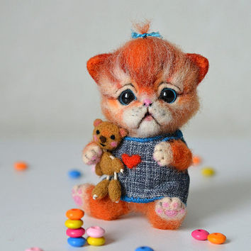 Needle felted little orange kitten. Tiny cute cat. Miniature animal. Sweet gift. Small toy.