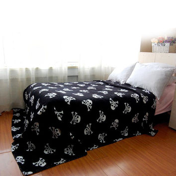 Simanfei Super Soft Skin-friendly Leisure Cool in Summer 100%Polyester Black Skull Blankets