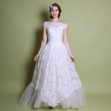 50s Lace & Tulle White WEDDING DRESS / Full Skirt, Sheer Bodice GOWN, xs - s