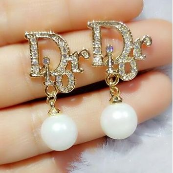 Dior Popular Women Letter Diamond Pearl Pendant Earrings Accesso 941b265940