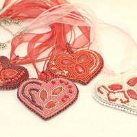 Bridesmaid necklace set of 4, wedding, red hearts, love, beaded necklace pendants, sparkling, ready to ship, bead embroidery