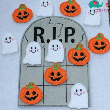 Gravestone Halloween Tic Tac Toe game embroidered board game activity travel quiet game busy bag felt board play set ghost jack o'lantern