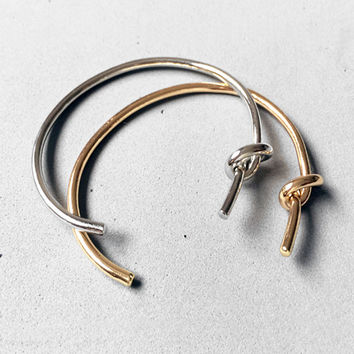 Side Knot Bangle (Silver/Gold)