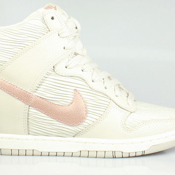 Nike Women's Dunk Sky Hi Wedge - Light Bone Metallic Red Bronze