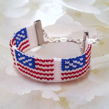 Beaded Bracelet, US Flag, Forth of July, 4th of July, Loom Beaded Bracelet, Women and Teen's bracelet, Designer Jewelry, American Flag,