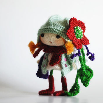 Floret. The Small Doll. She has a mouth with tongue. Wire in the lags. - pdf knitting pattern