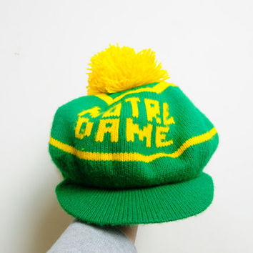 Awesome Vintage 80s/90s Notre Dame Green and Yellow Hat With Bill And Yellow Ball Unisex