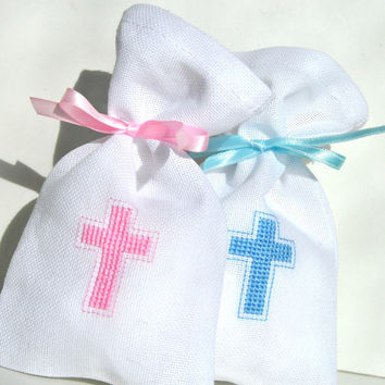 Set of 20 Baptism favor, Christening favors, baby shower, Gift Bag favors, Baptism bag, cross religious, hand embroidered, set of 20 favors