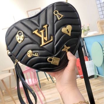 LV 2019 new female badge heart-shaped mini love chain bag shoulder bag