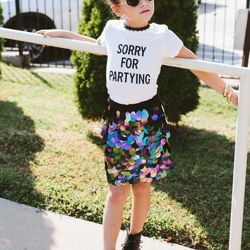 SCARLET MINI | Sorry For Partying Tee