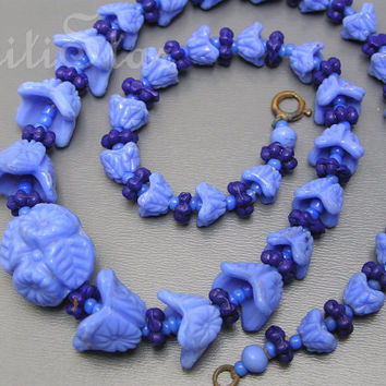 Vintage Pressed Molded Floral Flower Glass Necklace Czech Jewelry
