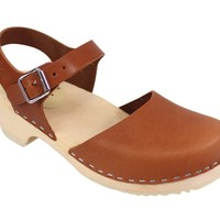 Lotta From Stockholm Womens Low Heel Closed Toe Clogs in Tan Leather