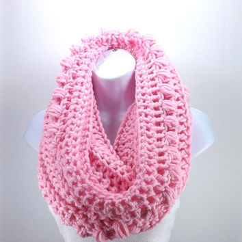 SALE Crochet Chunky Cowl Hood /ROSE BLUSH/, Chunky Hooded Scarf, Chunky Cowl Neck Warmer, Gift Idea