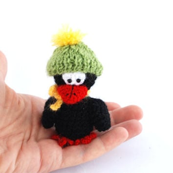 baby chick with hat and scarf, tiny bird toy, bird amigurumi, crochet crow, miniature raven, crow toy, crow plushie, soft sculpture