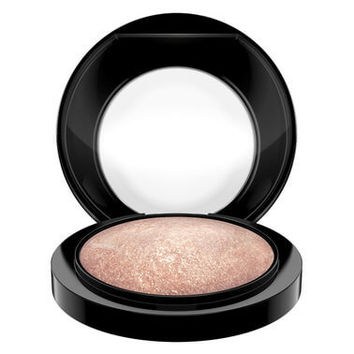 M·A·C Cosmetics Mineralize Skinfinish