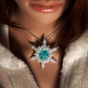 Snowflake Pendant Beading Pattern, DIY Christmas Star, Christmas ornament, beading tutorial, gift for her