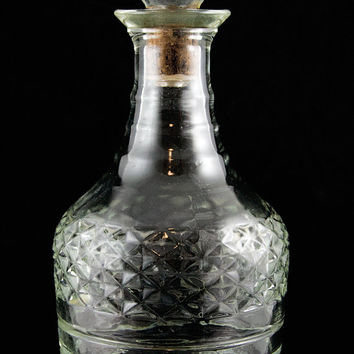 Retro Glass Liquor Decanter - Round Faceted Liquor Bottle with Stopper Vintage Barware