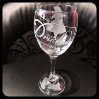 Unique 'DRINK ME' Alice In Wonderland Wine Glass! Hand Engraved Quality Gift!